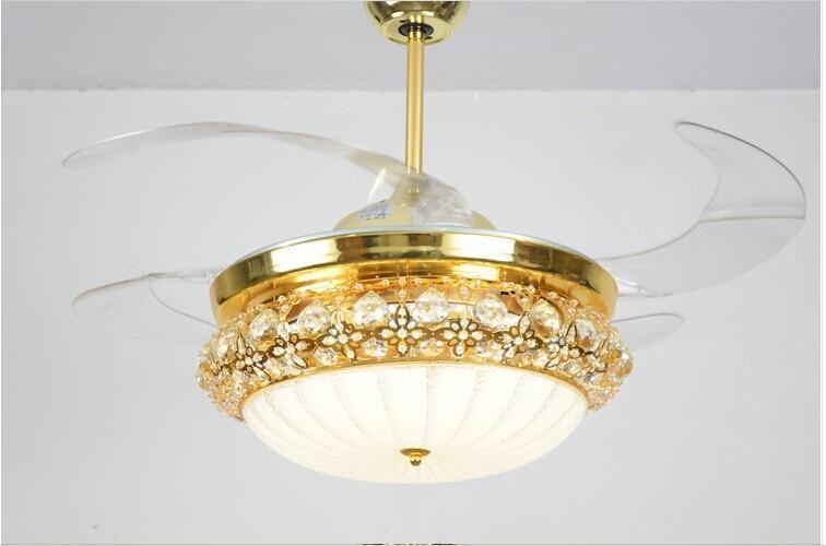 Đánh giá để biết quạt trần kèm đèn chùm có tốt hay không?