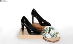 Lựa chọn địa chỉ nhập giày cao gót mũi nhọn chất lượng nhất